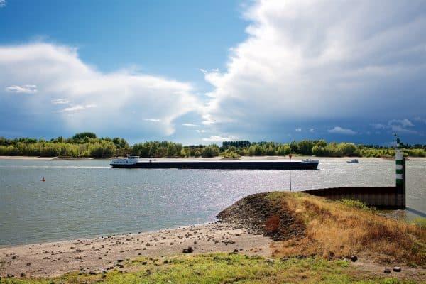 Schepen op de Rijn