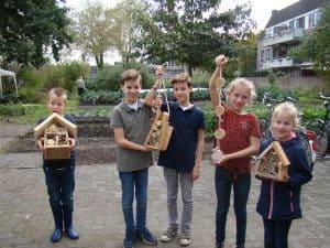 kinderactiviteit: help de bij!